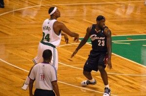Paul Pierce y Lebron James